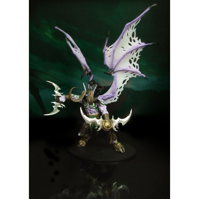 World of Warcraft Series 1: Illidan Stormrage - Deluxe Collector Figure