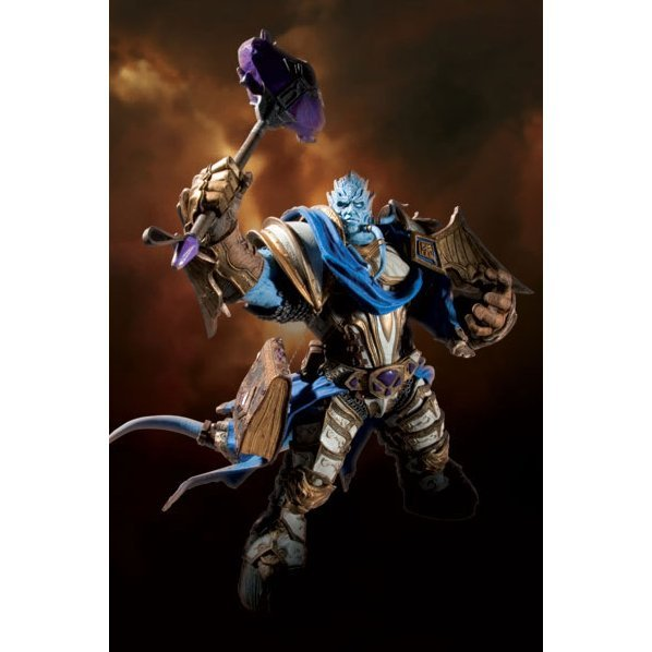 World of Warcraft Series 2: Dranei Paladin: Vindicator Marrad - Deluxe Collector Figure