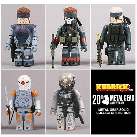 Metal Gear Solid 20th Anniversary - Kubrick Trading Figure