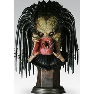 Alien vs Predator Requiem Collectibles Statue