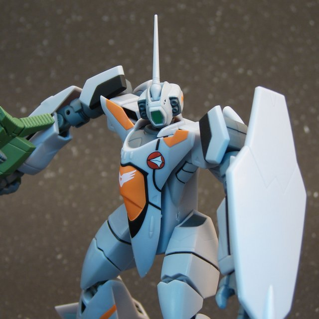 Macross Plus Non Scale Pre-Painted PVC Figure: VF-11B Battroid