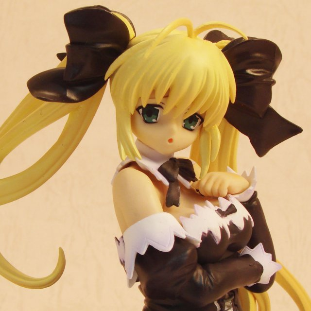 Koharubiyori 1/8 Scale Pre-Painted PVC Figure: Koharubiyori Yui (Black Dress Version)