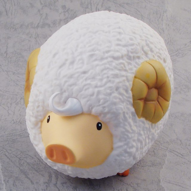 Monster Hunter Pugee 2 Pre-Painted Figure: Pugee (Sheep)