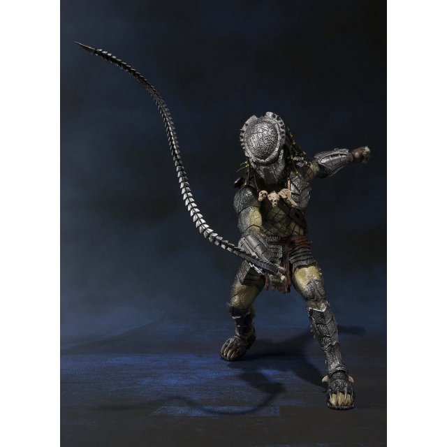 S.H.MonstertArts Alien vs. Predator Pre-Painted Figure: Predator Wolf