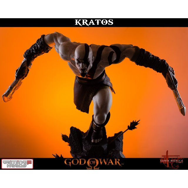 God of War Statue: Lunging Kratos