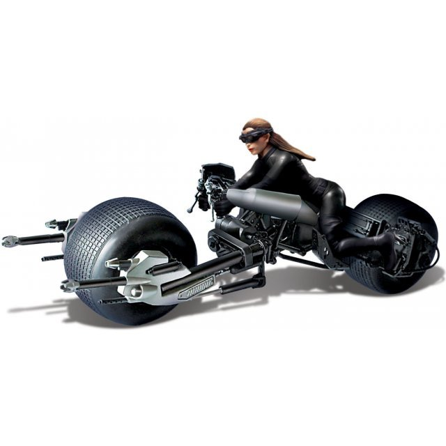 Dark Knight Rising: Catwoman with Bat Pod