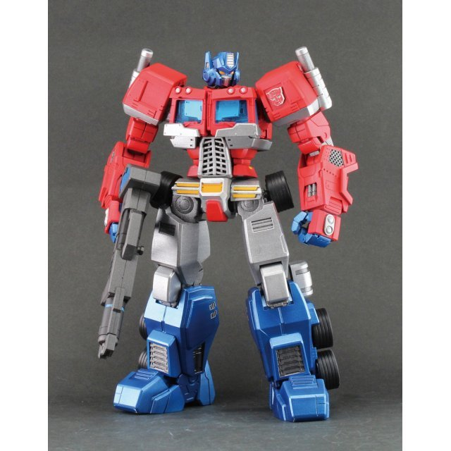 Hero of Steel Transformers: Convoy