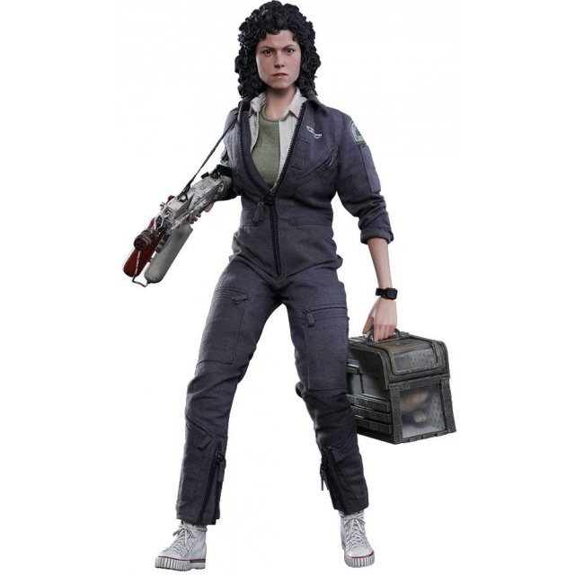 Alien 1/6 Scale Collectible Figure: Ellen Ripley