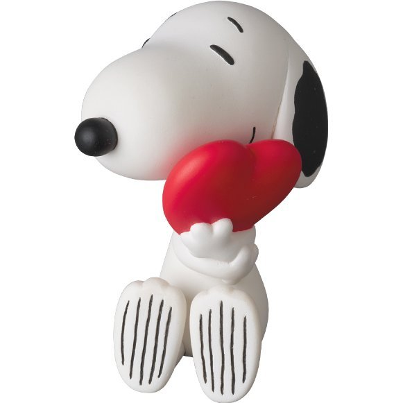 Peanuts Series 5 Ultra Detail Figure: Snoopy with Heart