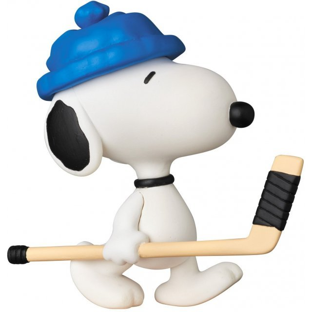Peanuts Series 6 Ultra Detail Figure: Hockey Player Snoopy