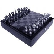 Street Fighter 25th Anniversary Chess Set (US)