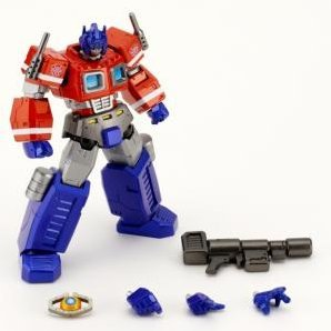 Revoltech Series No. 019 - Transformers Cybertron Commander Pre-Painted Action Figure: Convoy (Re-run)