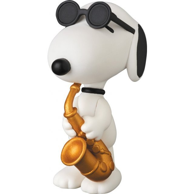 Peanuts Series 6 Ultra Detail Figure: Saxophone Player Snoopy