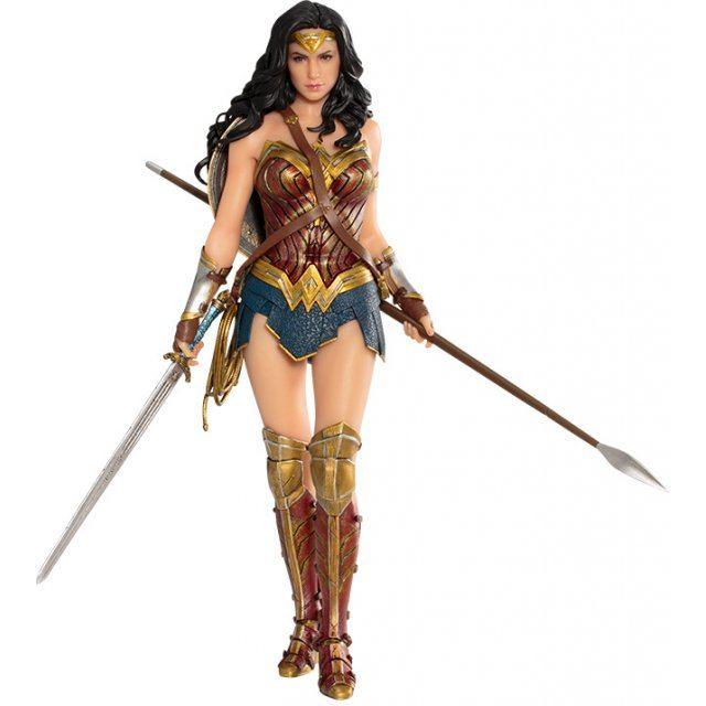 ARTFX+ Justice League 1/10 Scale Pre-Painted Figure: Wonder Woman