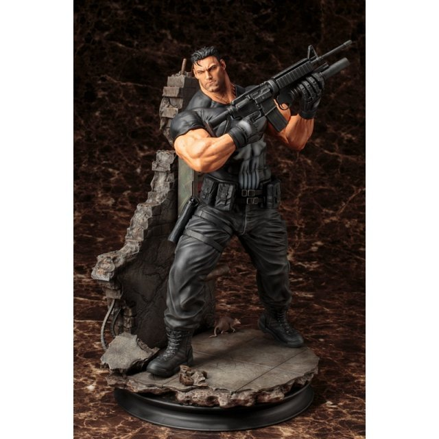Marvel Universe 1/6 Scale Fine Art Statue: The Punisher