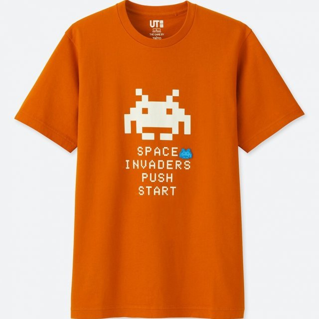 UT Taito Museum - Space Invaders Start Men's T-shirt Orange (M Size)
