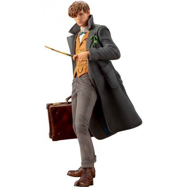 ARTFX+ Fantastic Beasts - The Crimes of Grindelwald 1/10 Scale Pre-Painted Figure: Newt Scamander