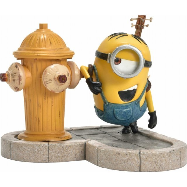 Despicable Me Prime Collectible Figure: Stuart in New York